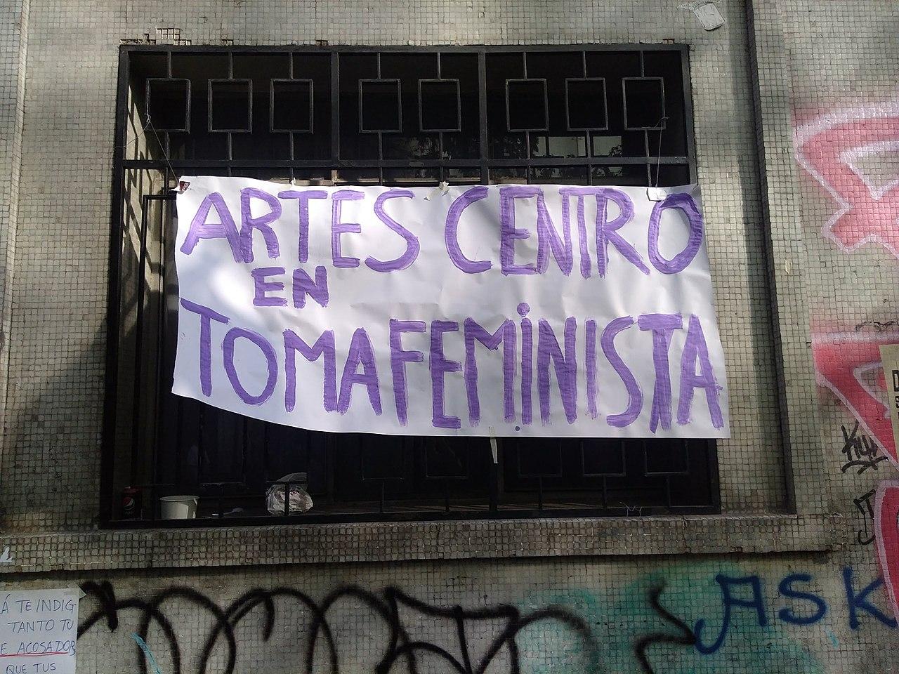 1280px-Toma_Feminista_2018_-_Artes_U_Chile